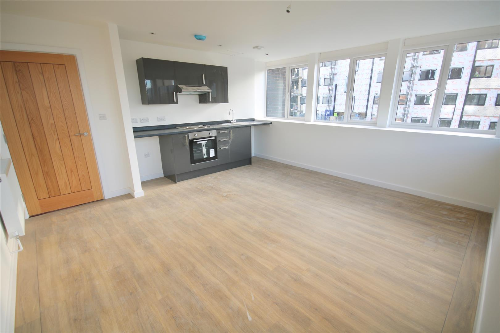 2 Bedrooms Flat for sale in Isambard Brunel Road, Portsmouth